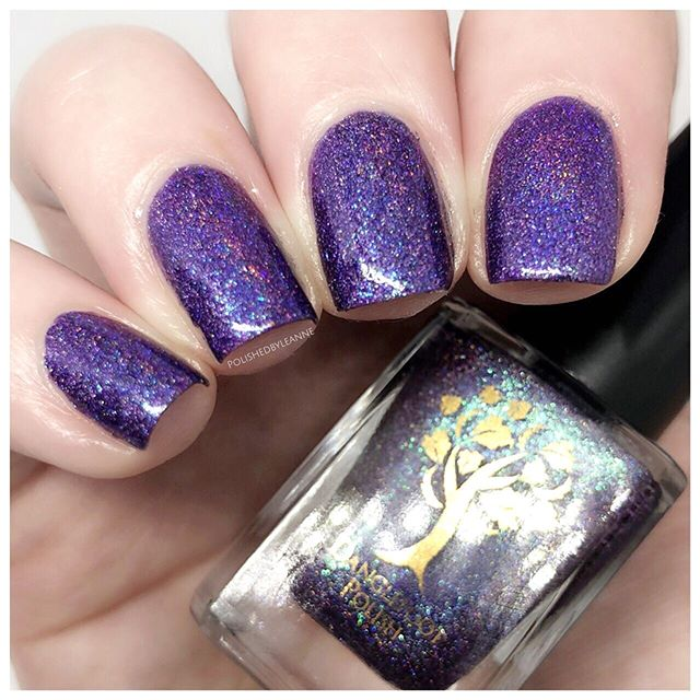 Here is 'The Secret Garden' by @danglefootnailpolish and it has to be one of the most Holo-licious, most beautifulist, most sparkliest polish I have ever owned 😍😍😍 Absolute perfection 👌🏻 The last shot isn't the best, but it helps to show just how this polish sparkles!