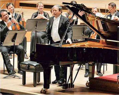 Alchimie magique.MURRAY PERAHIA ET L'ACADEMY OF ST MARTIN IN THE FIELDS  - DiapasonJAN 2017