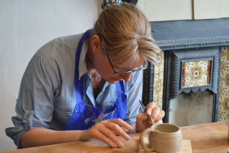 adult-weekly-classes-honeybourne-pottery-worcestershire2.jpg