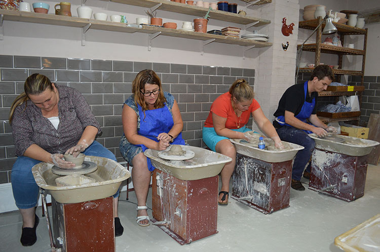 adult-weekly-classes-honeybourne-pottery-worcestershire3.jpg