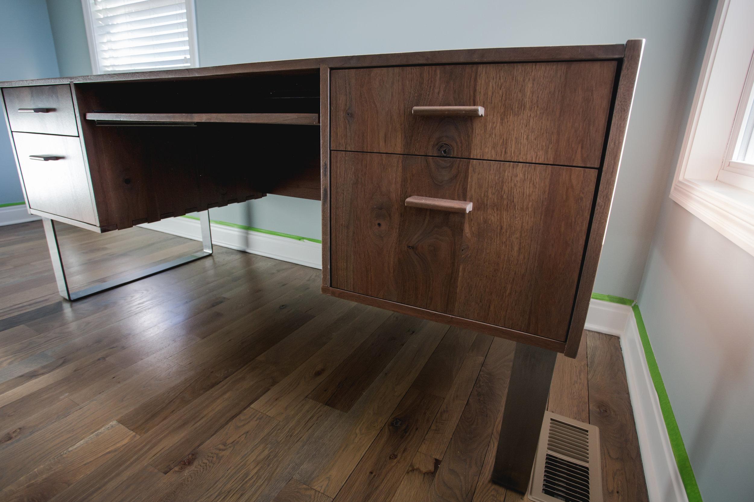 MidCenturyMod-Desk-1.jpg