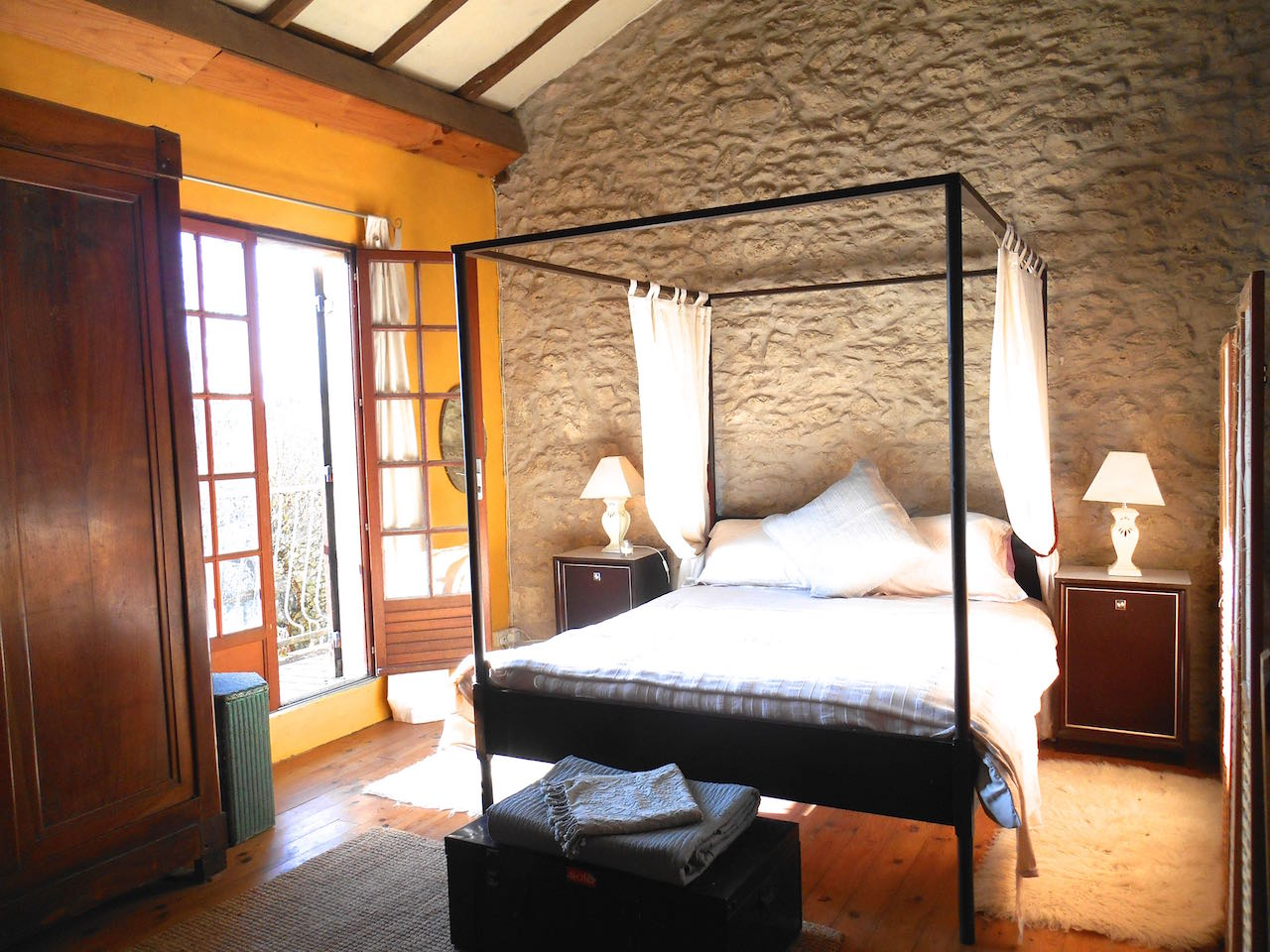 French four poster bedroom