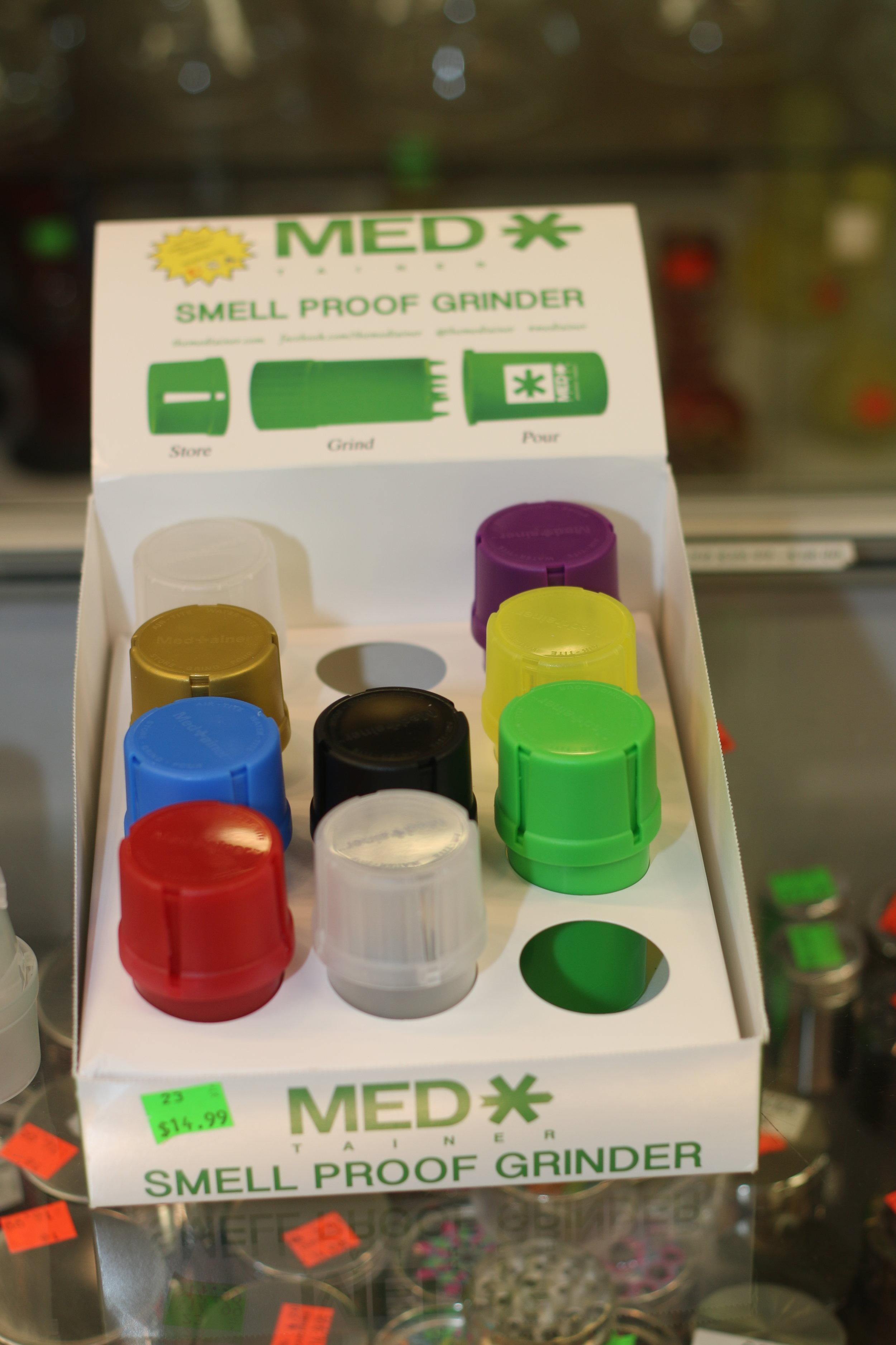 Med (smell proof grinder) including extra stroage