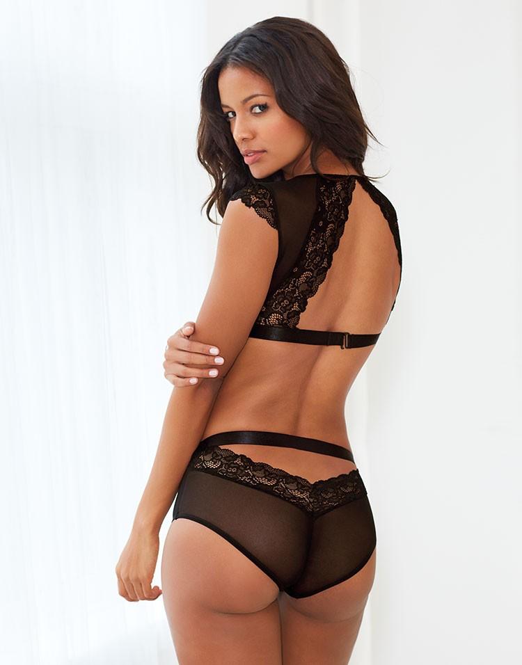 Adore Me Model Venessa Fonseca Wearing Jessamine Unlined