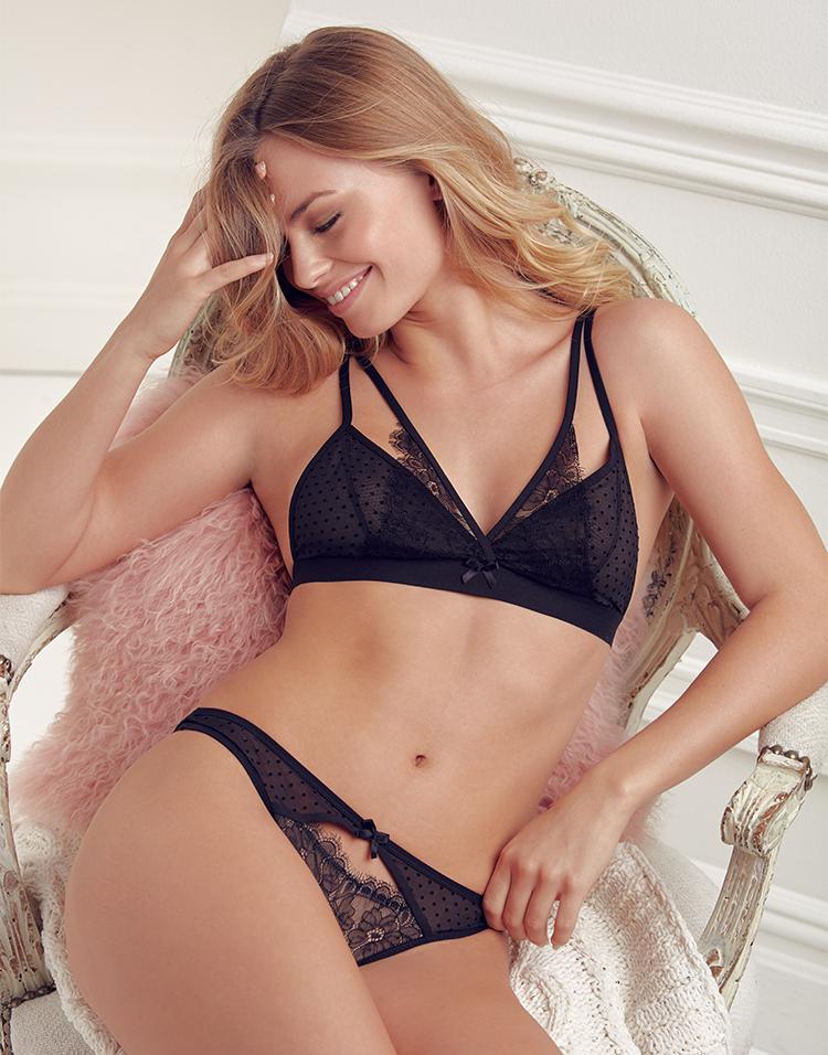 Adore Me Model Ashley Graves 2