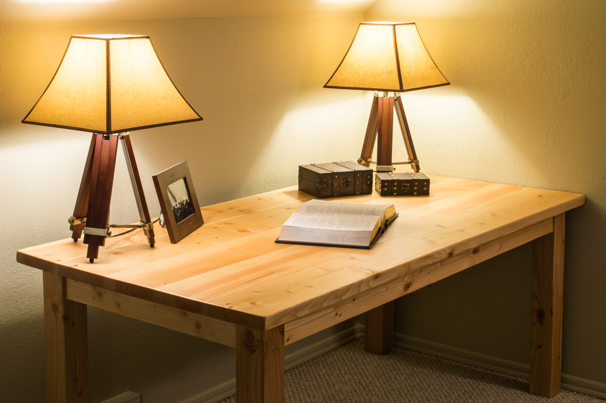 The table I built a couple months ago using my dowel jig.
