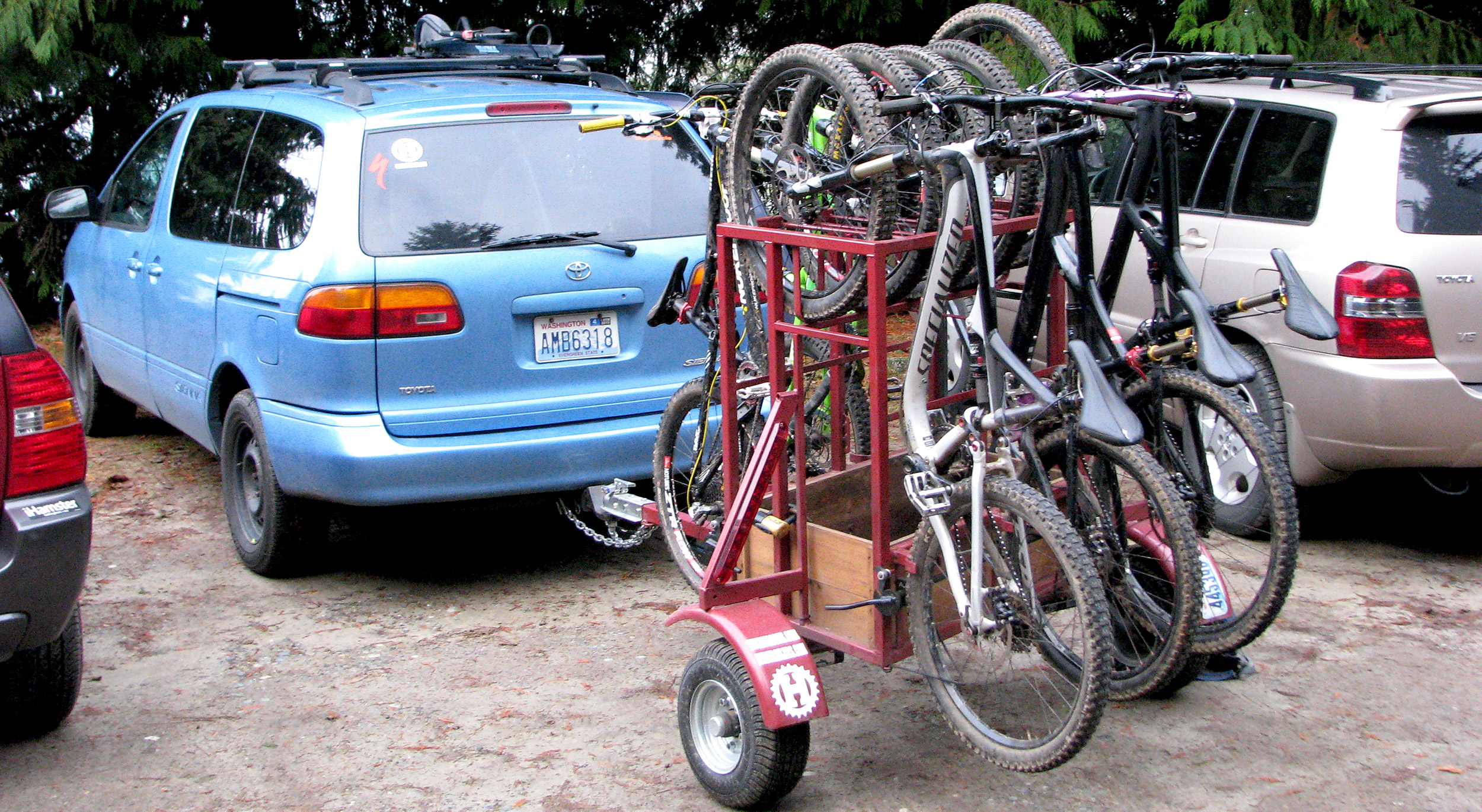 Small Huckwagons Mountain Bike Shuttle Trailers with minivan