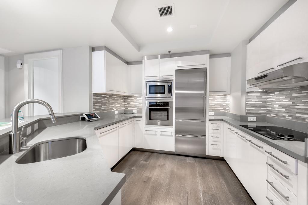 Sky-Unit-2503-Kitchen.jpg
