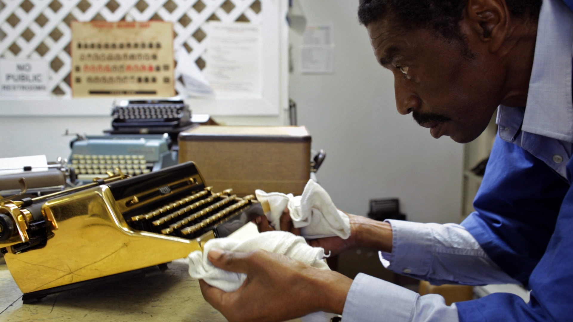 Ken Alexander at California Typewriter