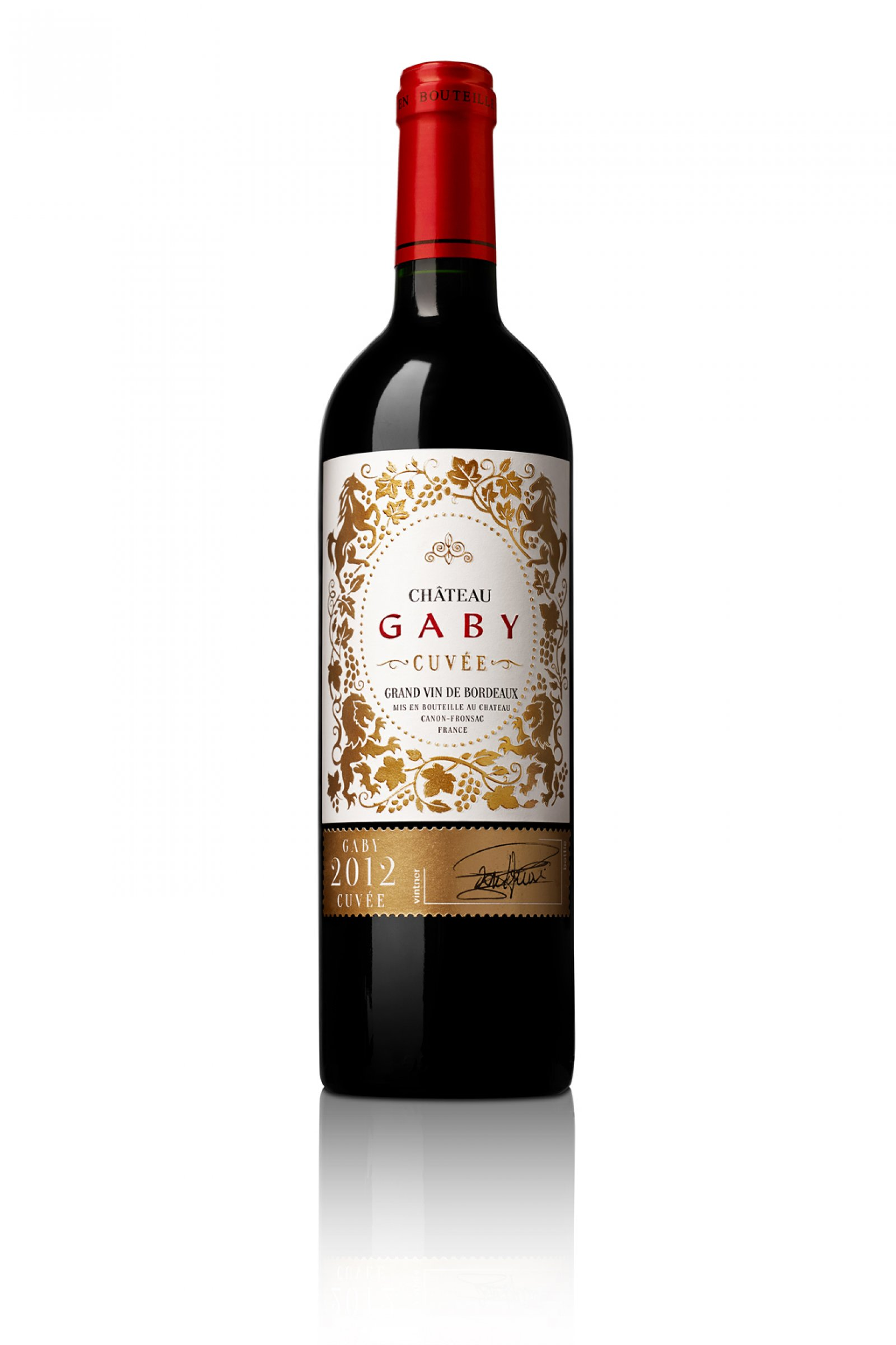 GABY CUVÉE - Gaby Cuvée has a lovely deep color with bright tints. The bouquet is very elegant and multilayered with hints of spice and black and red fruit that delicately intermingle.