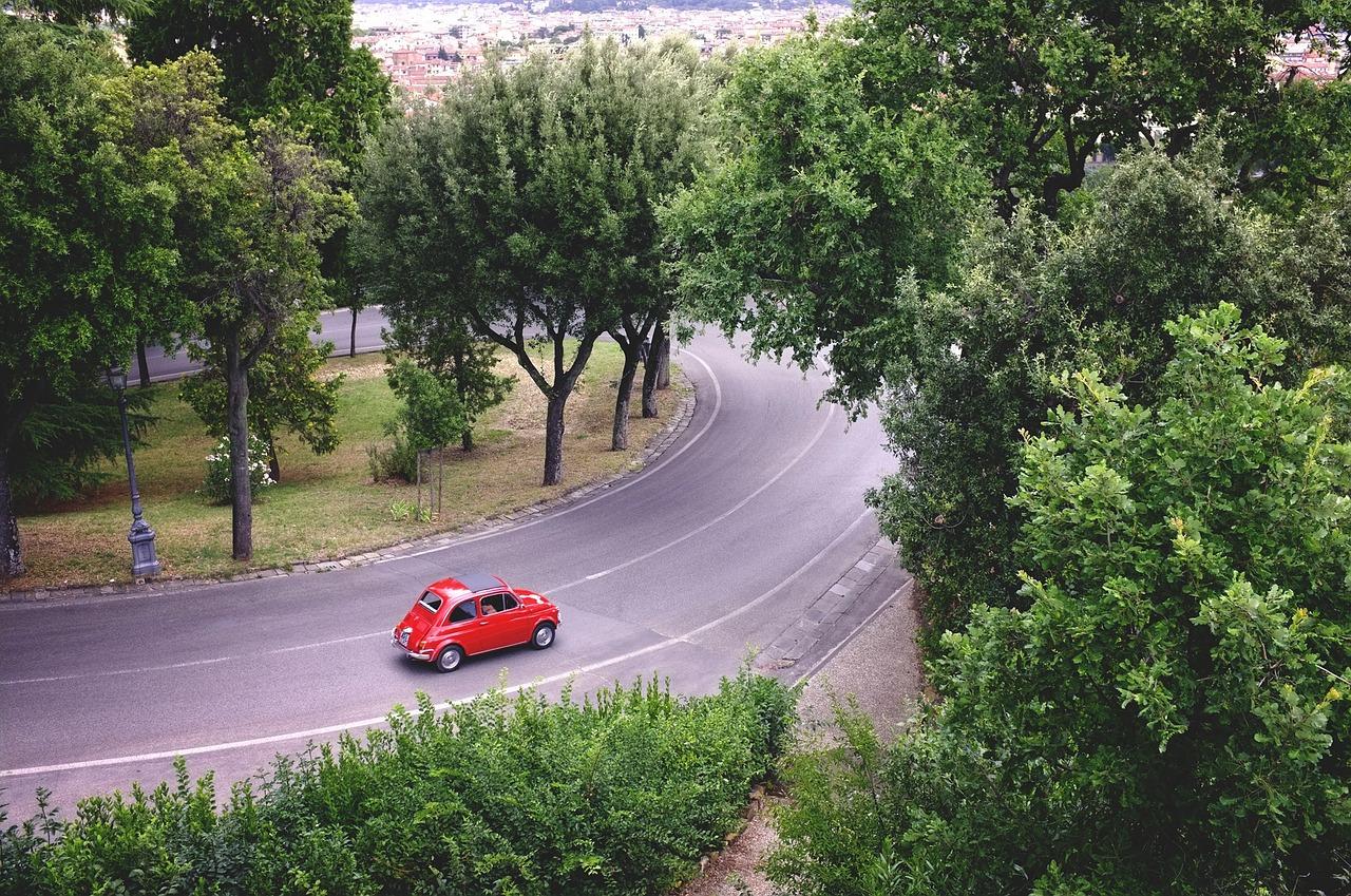 car-705840_1280.jpg