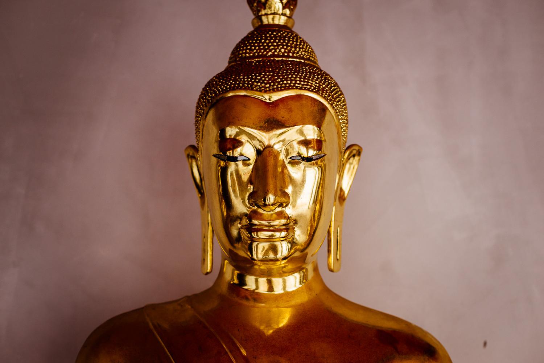 Bangkok-Thailand-Travel-Photography-Golden-Smile-Statue-3.jpg