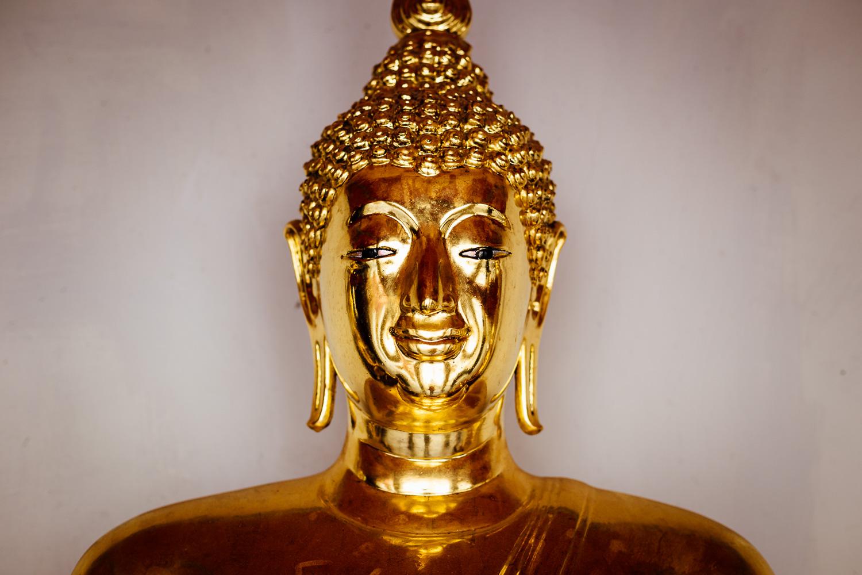 Bangkok-Thailand-Travel-Photography-Golden-Smile-Statue-6.jpg