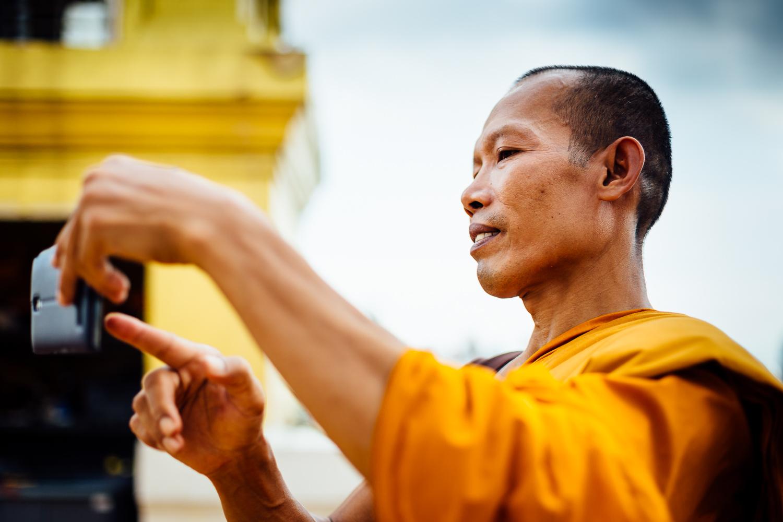 Bangkok-Thailand-Travel-Photography-People-Buddhist-Monk.jpg