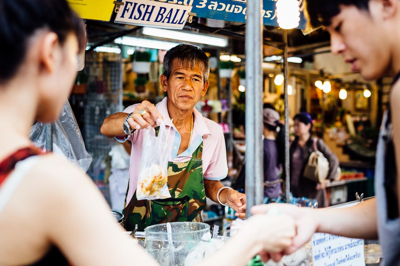 Bangkok-Thailand-Travel-Photography-People-Street-Vendor.jpg