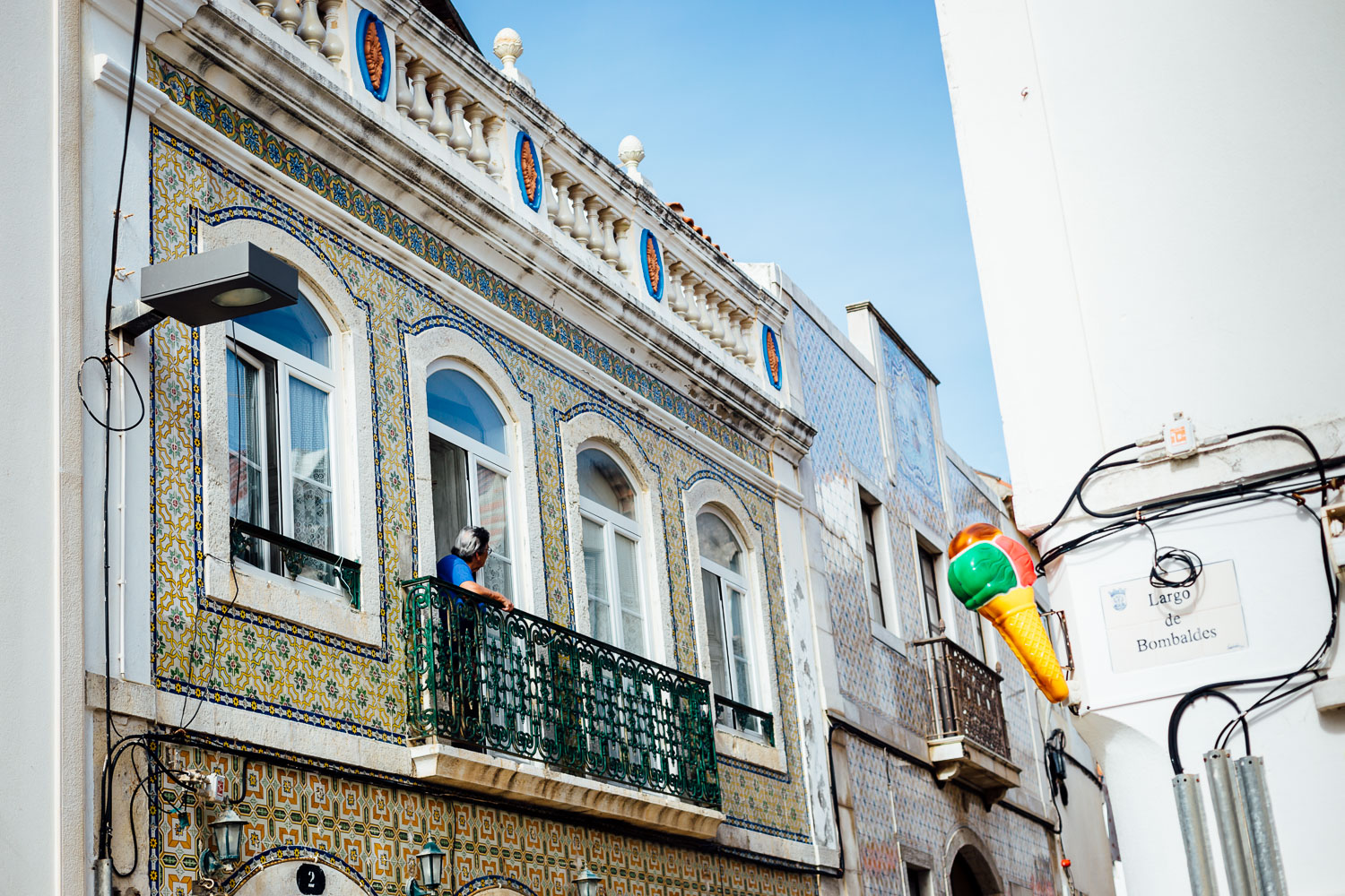 Travel-Photography-Fishing-Town-Portugal-Street