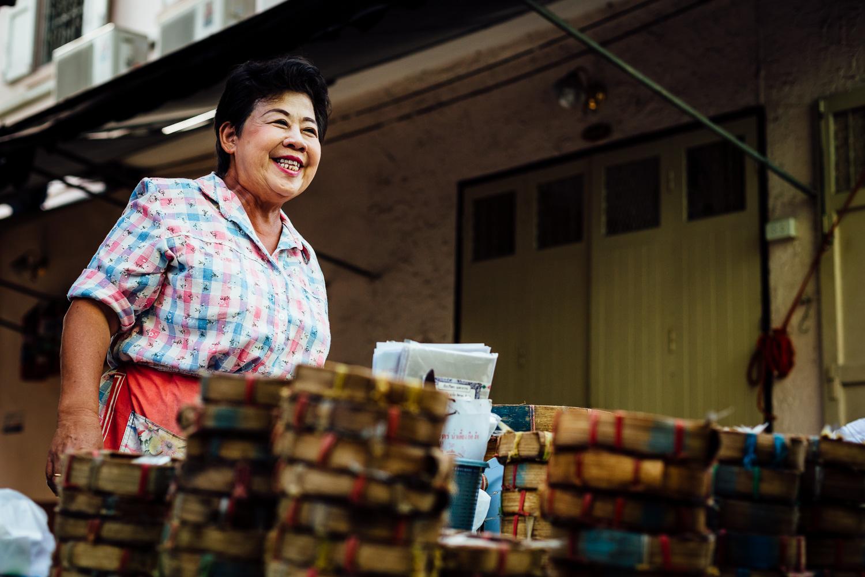 Bangkok-Thailand-Travel-Photography-Smile-People-Vendor