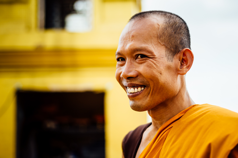 Bangkok-Thailand-Travel-Photography-Smile-People-Monk