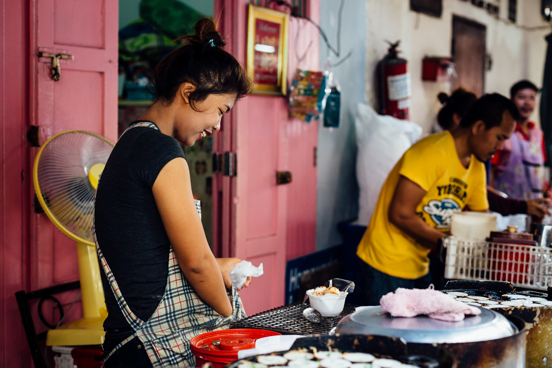 Bangkok-Thailand-Travel-Photography-Smile-Vendor-Market-Food