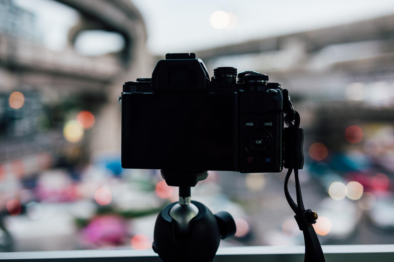 Travel-Photography-Thailand-City-Traffic-Grey-Bokeh