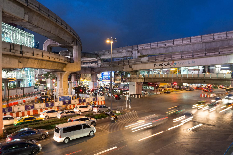 Travel-Photography-Thailand-City-Traffic-light-longexposure-12.jpg
