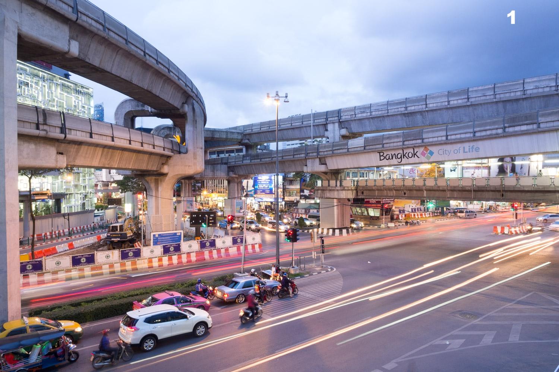 Travel-Photography-Thailand-City-Traffic-light-longexposure-1.jpg