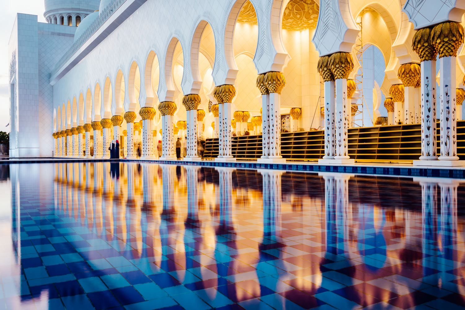 Mosque-Light-Orange-Blue-Fountain-Durazo-Photography-Project-Travel.jpg