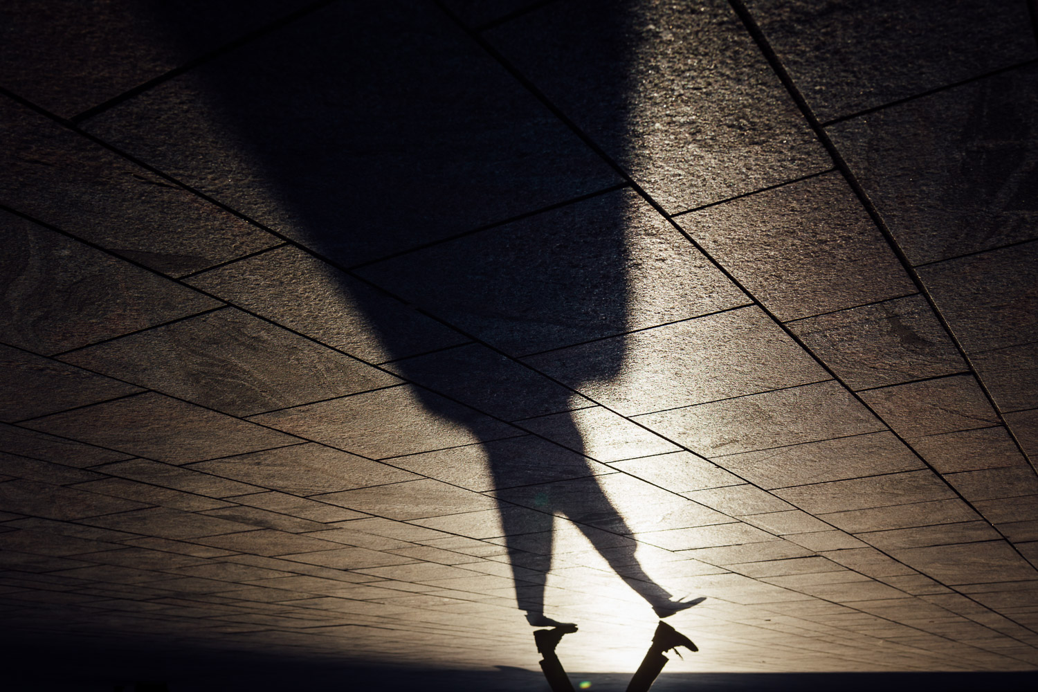 Shadow-Silhouette-Walking-Durazo-Photography-Project-Travel-Street