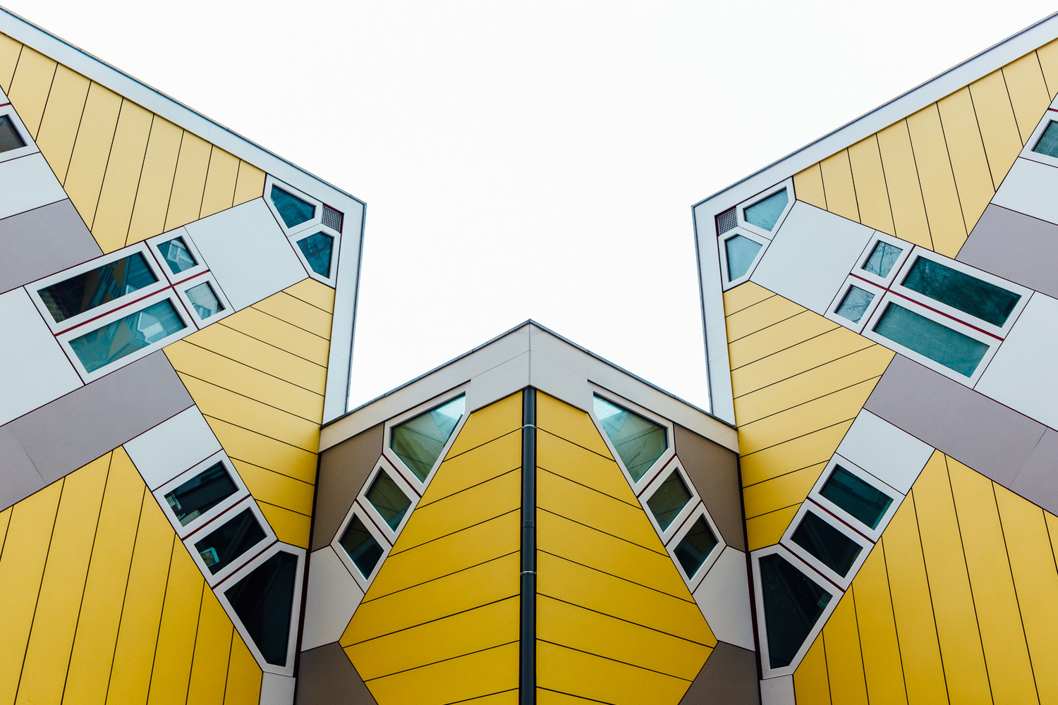 Yellow-Building-Durazo-Photography-Project-Travel-Architecture.jpg