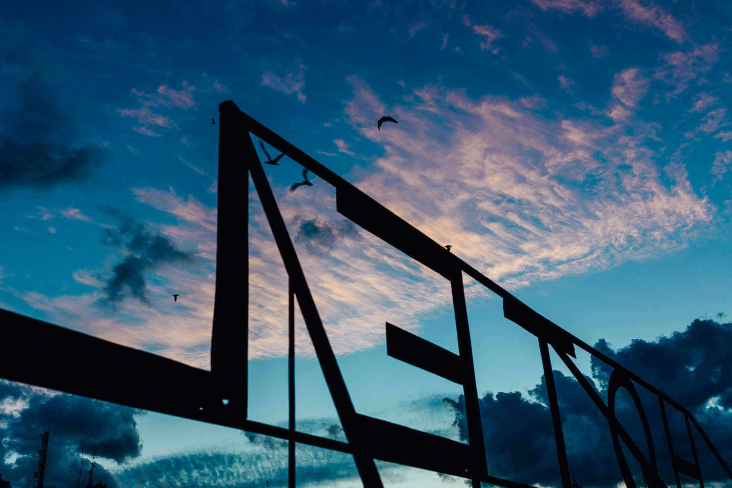 Blue-Sky-Cloud-Sunset-Hotel-Silhouette-Durazo-Photography.jpg