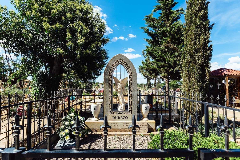 Gravestone-Cemetery-Mexico-Family-Home-Durazo-Photography