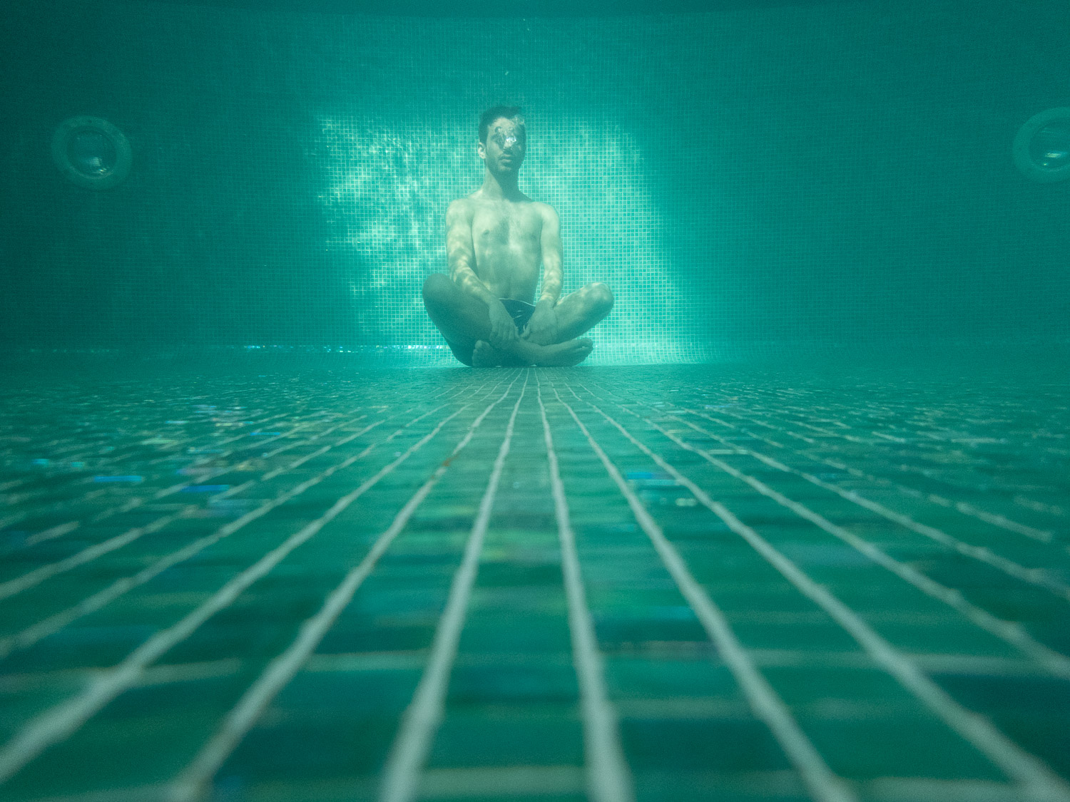 Underwater-Pool-Test-Reject-Photography-Turquoise-RAW-3.jpg
