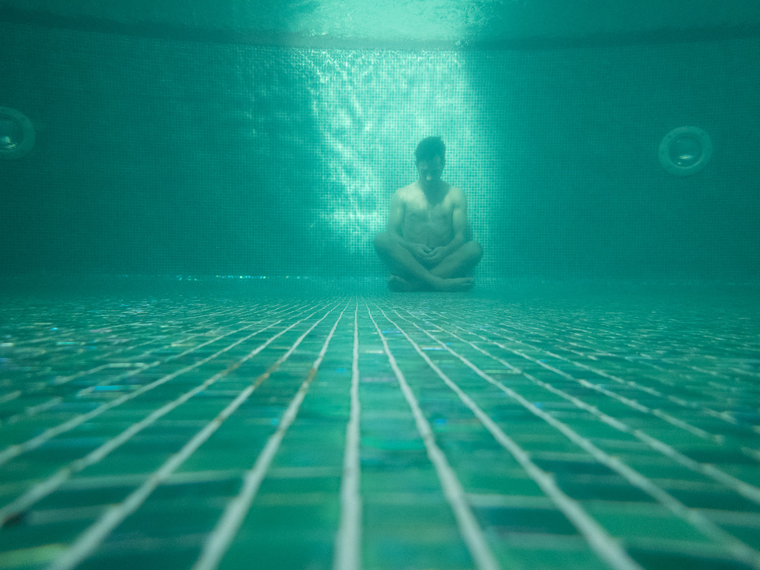 Underwater-Pool-Test-Reject-Photography-Turquoise-RAW-9.jpg