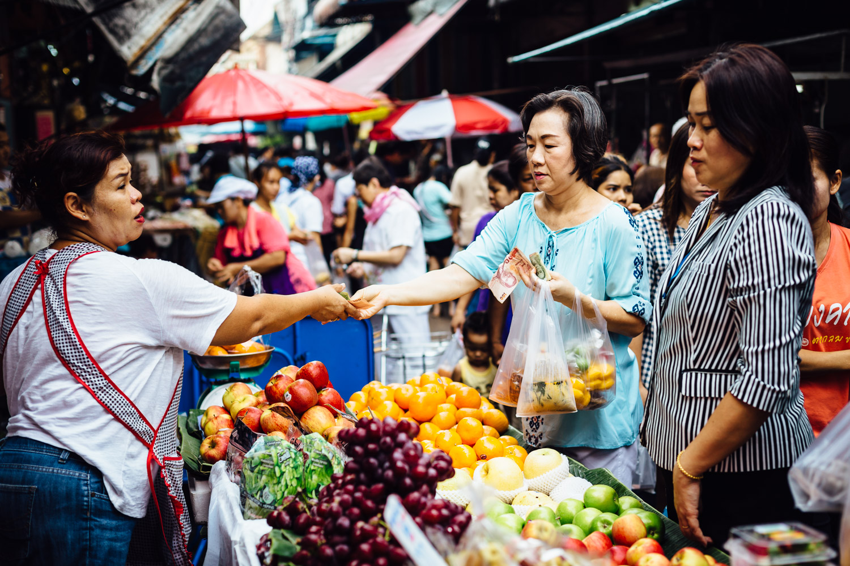 Market-Bangkok-Fruit-Money-Life-Thailand-Daniel-Durazo-Photography