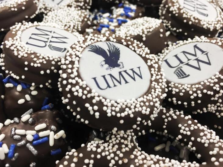 """UMW"" Oreos"
