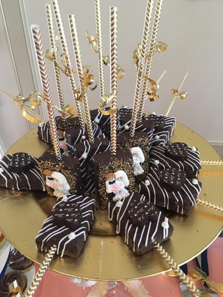 Wedding Dessert Krispies