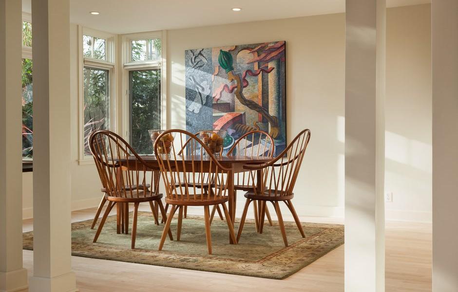005_-W-81st-St-Playa-del-Rey-print-008-7-Dining-Room-4200x2799-300dpi_005_web-940x600.jpg