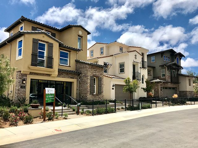 Cypress models are now open and up for sale! Located in Carlsbad, CA. These single family homes range from 1,887 - 2,521 sf and come equipped with some killer roof decks and yards for those who enjoy taking advantage of Cali's mild weather 😎☀️ #starckitecture