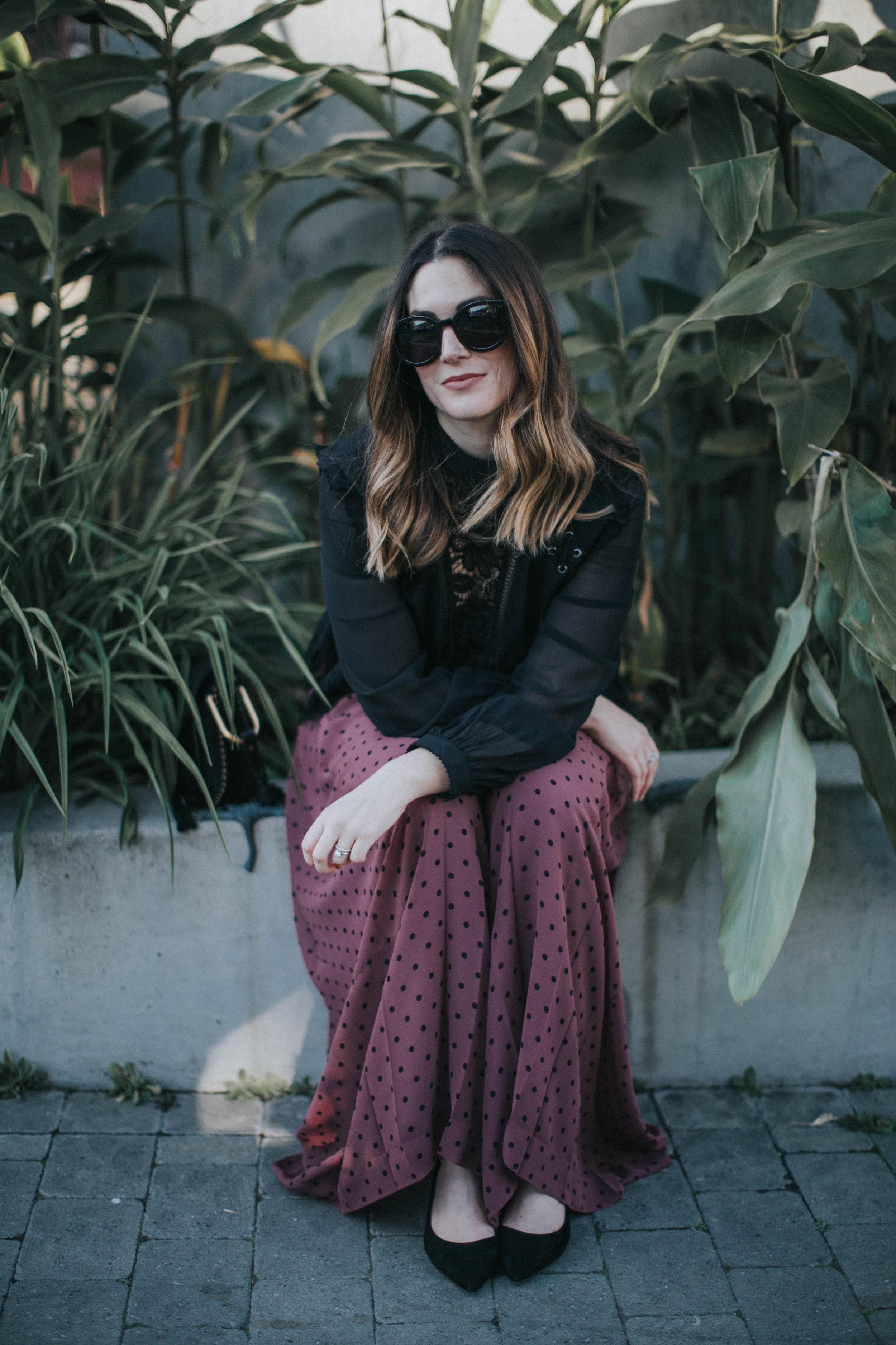 purse  Chloé  | blouse  Self Portrait Studio  | pants  Chloé  +  Farfetch  | sunglasses  Karen Walker