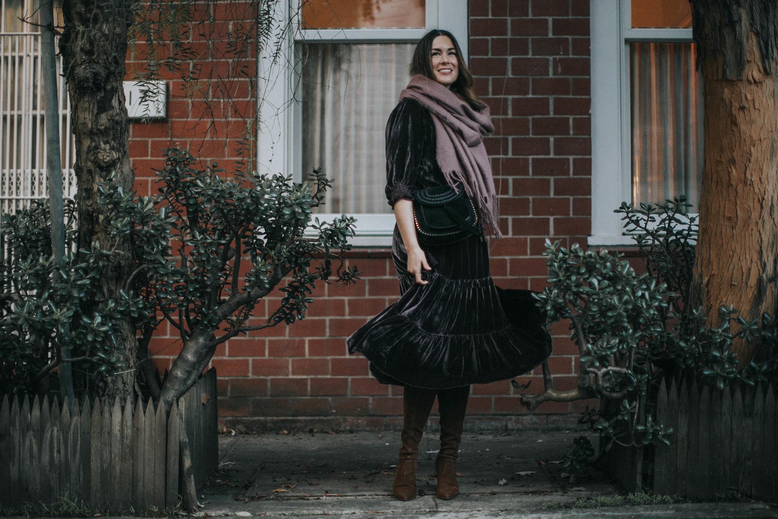 purse  Chloé  | sunglasses  Karen Walker  | scarf  ASOS  | dress  Ulla Johnson
