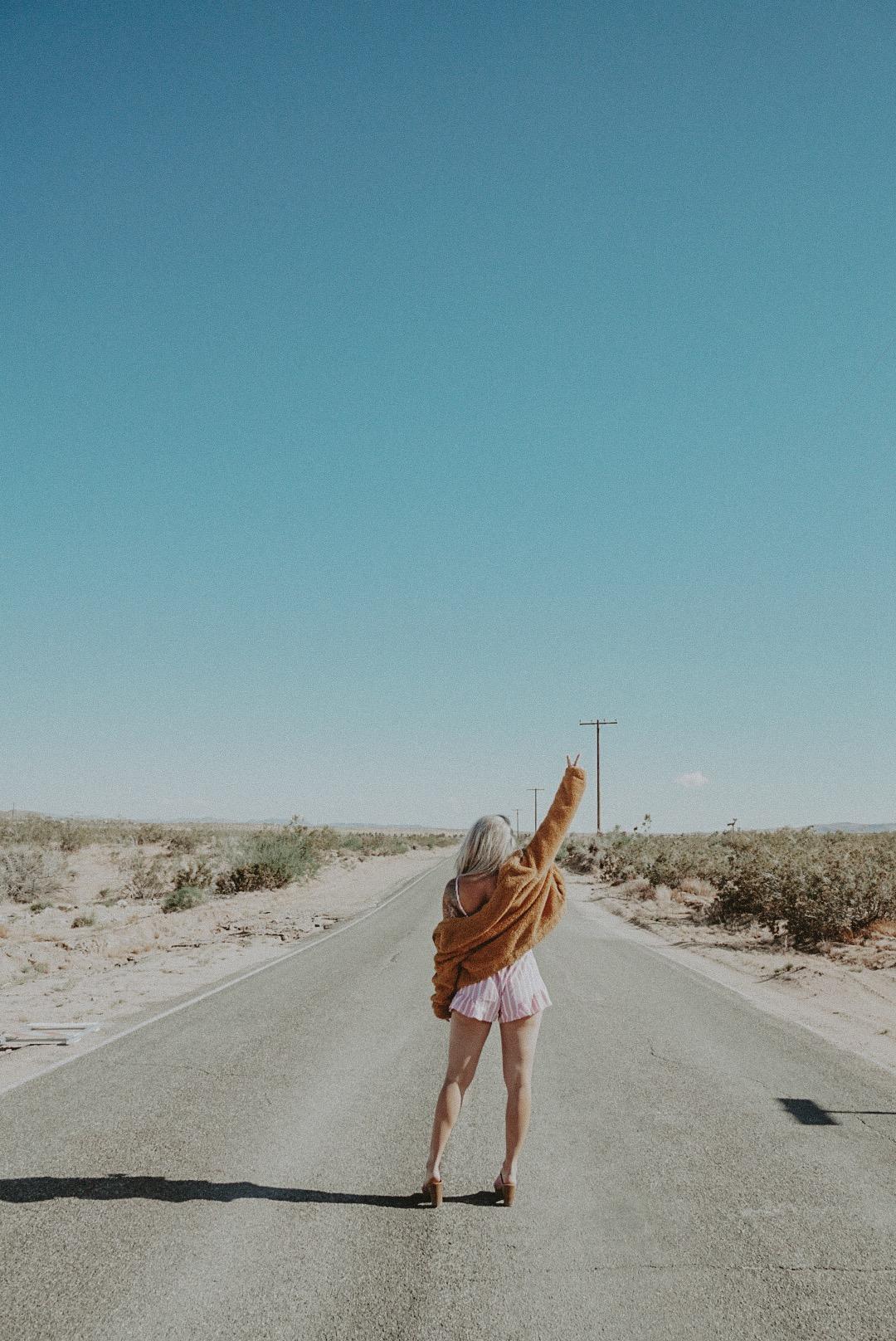julia o test los angeles blogger desert palm springs road