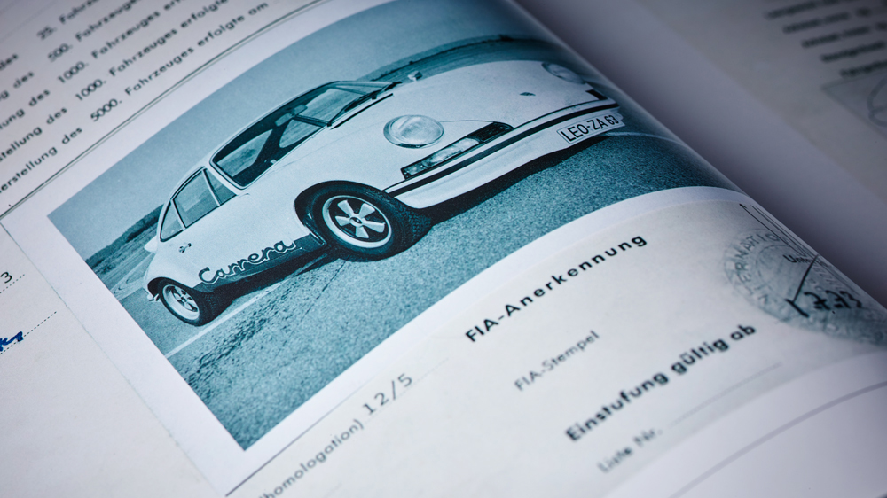 Porsche magazine inner page
