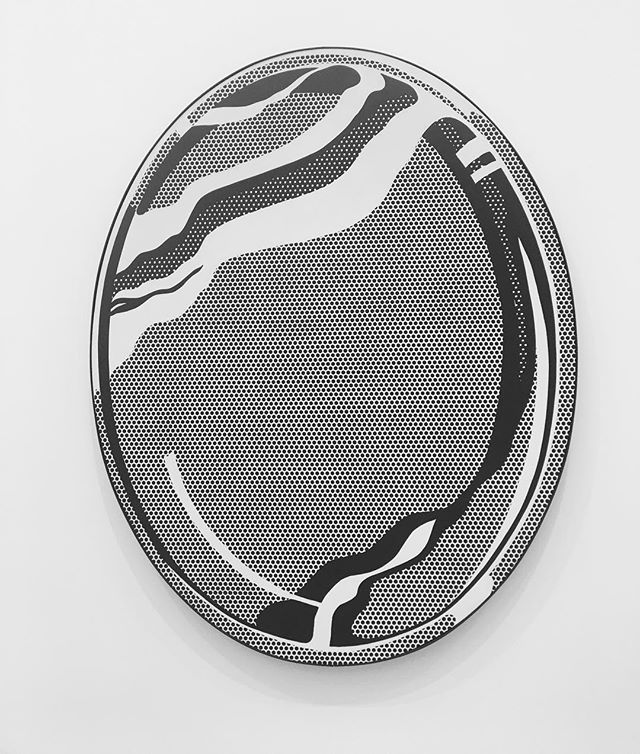 Sunday moods, reflecting back on a year of art and adventure. 'Mirror #1', 1969, Roy Lichtenstein at @thebroadmuseum  #thetravellingSTAGE 📸: @kalinaking  #roylichtenstein #mirror #thebroad