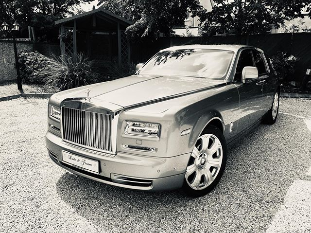 #rollsroyce #wedding #blackandwhite