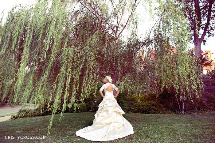 kristens-bridal-session-in-oklahoma-city-at-heritage-hills-taken-by-clovis-wedding-photographer-cristy-cross-2011_8.jpg