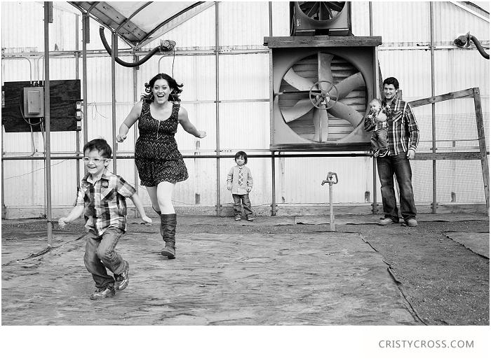 Zaikowskis-Nursery-Garden-Clovis-New-Mexico-Family-Photo-Shoot-taken-by-Clovis-Portrait-Photographer-Cristy-Cross_024.jpg