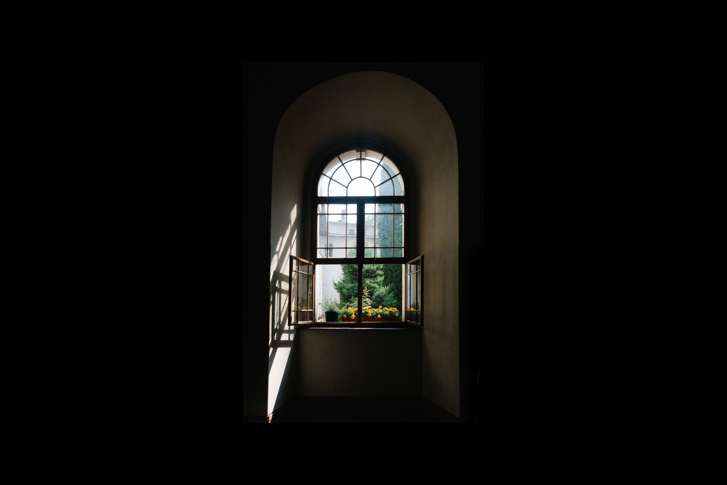 windows, ceiling, floor
