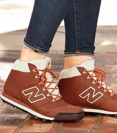 New Balance // 701 Kicks