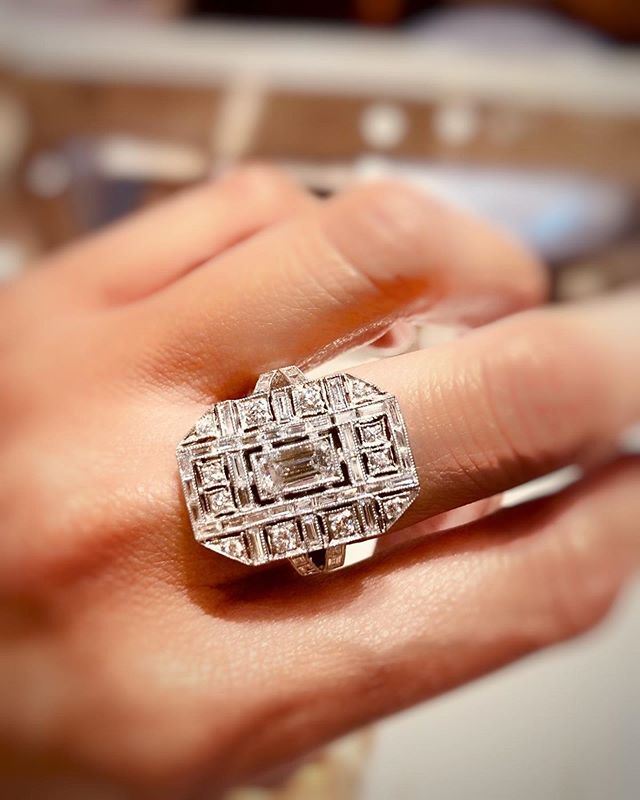 Seen here is a diamond studded ring paying  homage to the immaculate art-deco style of the 1920's, when Hollywood glamour was at its finest. Can you see the intricate detailing and design of this ring in all its glory? • • • • • #artdeco #diamondrings #ring #rings #diamonds #engagement #cocktail ring #whitegold #happiness #handmade #bespoke #luxurygoods #luxury #jewellery #jewelry #jewellerydesign #jewellerydesigner #jewelrydesign #jewelrydesigner #the5thc #hkig #jewels #gia #fblogger #officelife #bbloggers