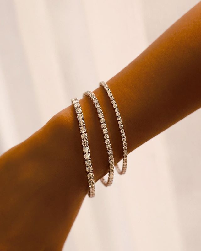 We've got commitment issues, and can't seem to settle on just one. Can we get all three? Our stunning dimond bracelets come in three sizes: 4mm, 3mm and 2.5mm (from left to right). They are the hottest items this season and selling super fast. Contact us at info@the5thc.com now for deets! • • • • • #diamondsareagirlsbestfriend #diamonds #diamond #diamondbracelet #bracelet #earrings #jewels #luxury #whitegold #luxurygoods #jewellery #handmade #bespoke #jewelry #jewelrydesigner #jewellerydesigner #jewellery #hkig #gia #fbloggers #fblogger #the5thc #fashion #luxury